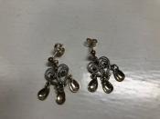 Solje Single Heart Earrings